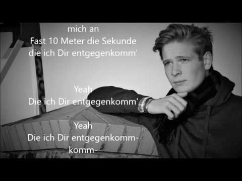 Einfach Oskar - Manchmal Schau Ich Zwischen die Sterne (LYRICS)