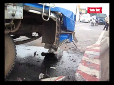 Tai nạn giao thông - Xe tai gây tai nạn