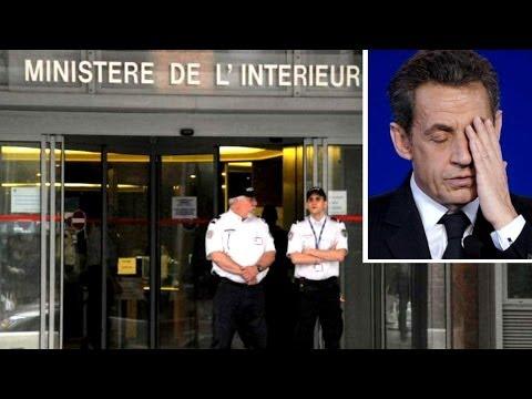 SARKOZY ACCUSATO DI CORRUZIONE Sarkozy Accusé de corruption