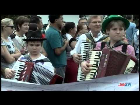 Desfile Aleg�rico Festa do Imigrante 2015