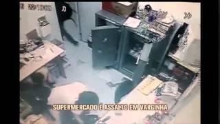 Dulpa assalta supermercado e rouba carros na fuga, em Varginha
