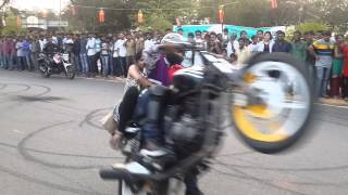 Motor Cycle Stunts At NIT Warangal Spree '14