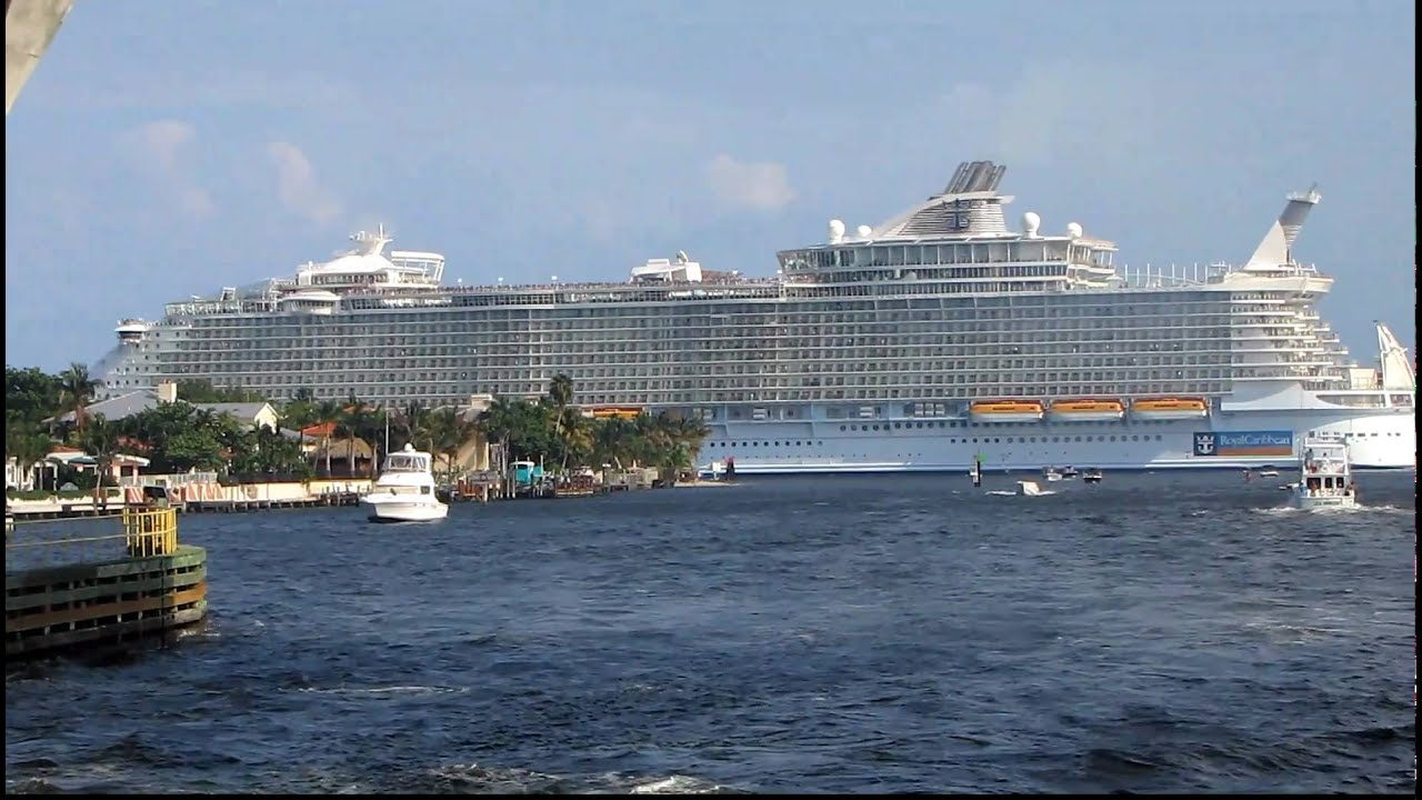 LARGEST CRUISE SHIP IN THE WORLD Oasis Of The Seas