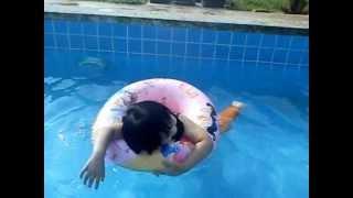 Kakak seronok dapat mandi kolam! view on youtube.com tube online.