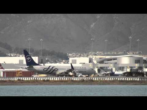 Skyteam logojet 737-800 w / winglets  from Delta AirLines Departing SFO