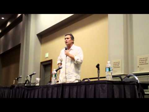 Bruce Campbell &#8211; Wizard World Philly 2010 Panel