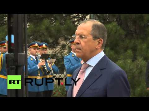 Serbia: Lavrov lays wreath at Belgrade's Soviet war memorial