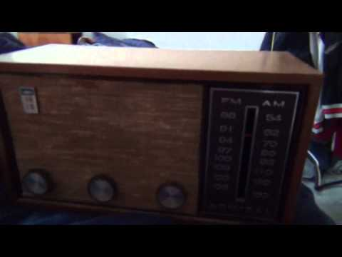 1960's Admiral AM/FM tabletop tube radio