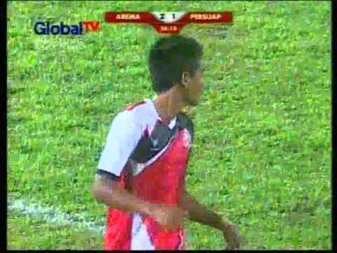 Cuplikan Gol_Arema vs Persijap_ISL 2014 buat AREMANIA dimanapun berada ? yang kemarin nggak sempet lihat AREMA main nonton aja video ini di you tube, jangan lupa WOW nya ya?