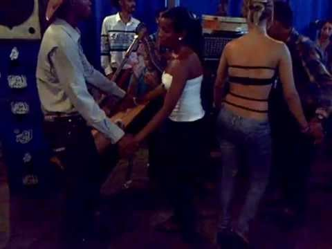 Josmel y Greiber en la final del baile de las metralletas de caracas