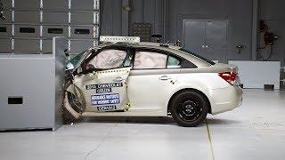 2013 Chevrolet Cruze kaza testi - IIHS