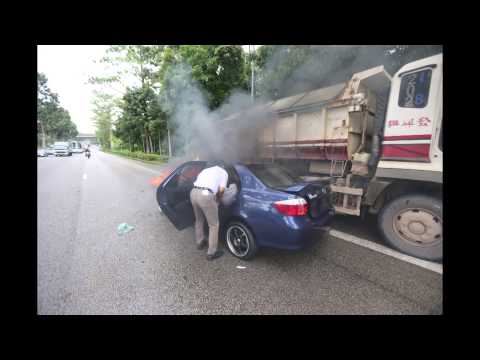 Driver rescued from burning car along the Bukit Timah Expressway