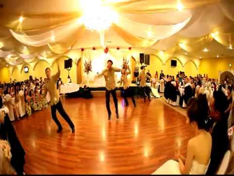Nhảy như thế mới gọi là đám cưới..