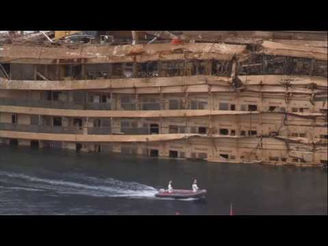 Costa Concordia: Full extent of damage revealed