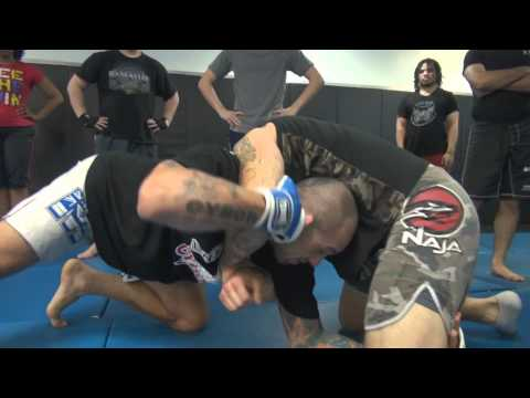 The Weird Brabo Choke / Darce Choke