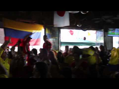 Colombia vs Uruguay 2014 2-0 Fans Celebrate Goal