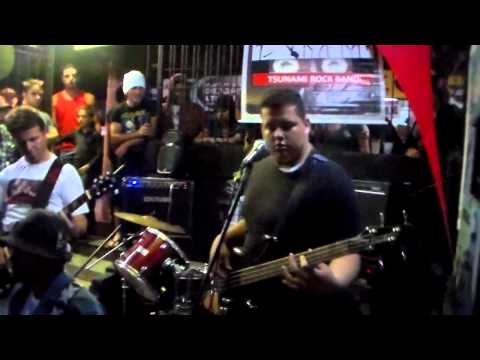 Tsunami Rock Band - Blitzkrieg Bop (Hey ho, Let's go) (cover Ramones) - Hang Loose Rock Bar (09/12)