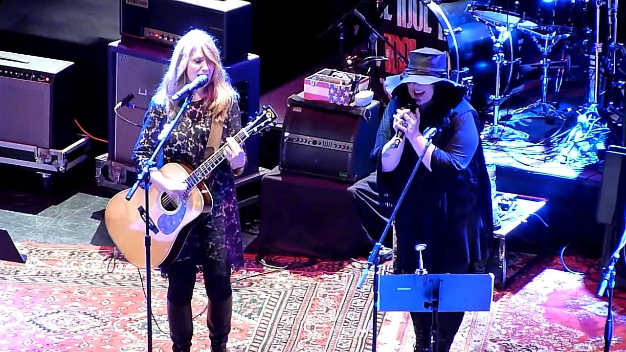 "Heart - ""Curtains"" (Elton John Cover) - Live at Club Nokia - YouTube"