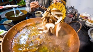 Chinese Food - YELLOW BEEF Hot Pot and Hot CHILI OIL RECIPE! | Yunnan, China Day 3