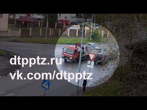 В Пятом Посёлке столкнулись четыре автомобиля