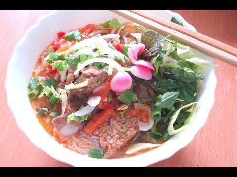 Bun rieu - Crab & pork noodle soup