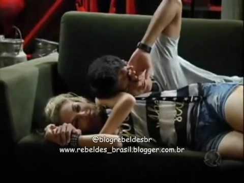 Rebelde Brasil - Roberta e Diego acordam no porão e decidem passar o dia juntos (08/02/2012)
