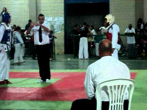 II open bh de taekwondo   luta andre torres academia marçal