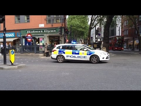 London British Transport Police Ford Mondeo Estate on a shout