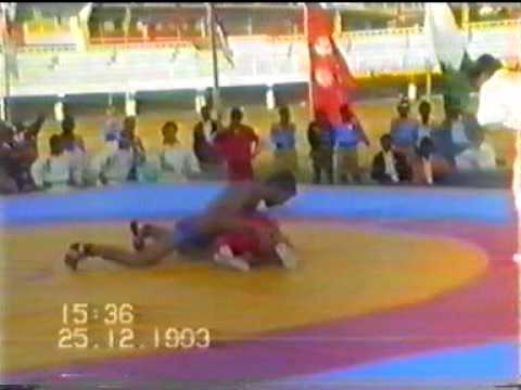 PAKISTANI WRESTLER UMAR PEHLAWAN BEAT INDIAN WRESTLER KRAMBIR FINAL SAF GAMES 1993