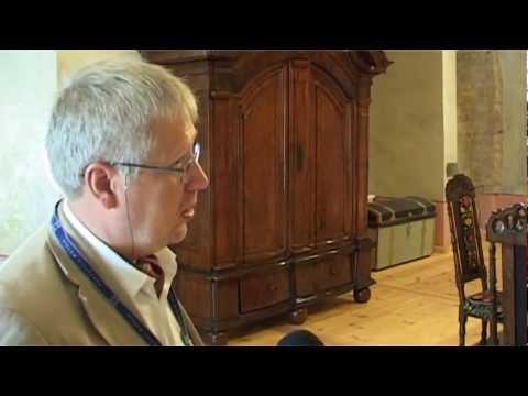 Смотреть видео Oтреставрированные помещения замка Ливонского ордена