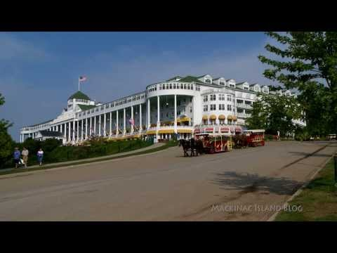 Five Minutes on Mackinac Island - Busy Morning on Grand Hill