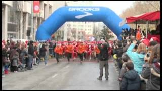 Raw: 4,000 Santas Go for a Run