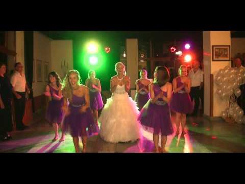 Nevesta a družičky - spoločný tanec  / svadba /