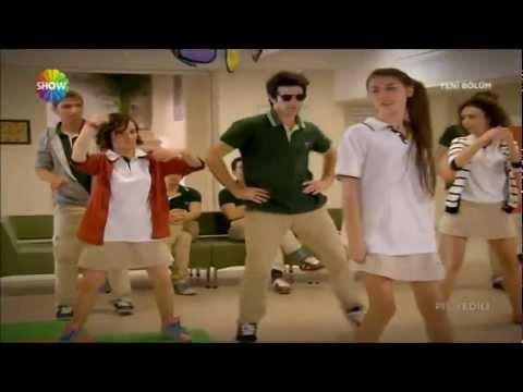 Pis Yedili Zekiden Gangnam Style Şov