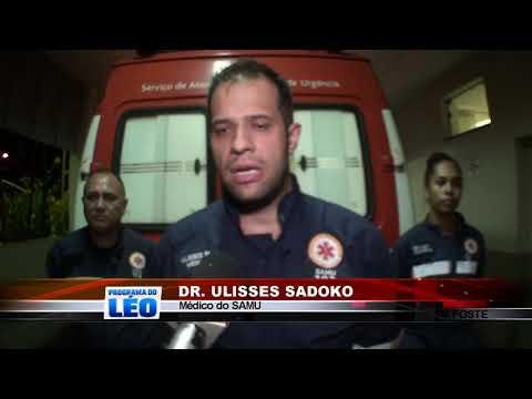 13/03/2019 - Choque entre carro e poste na Avenida dos Coqueiros em Barretos deixa homem gravemente ferido
