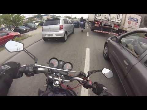 DOIDAO EMPINANDO NO CORREDOR + MOTOBOY COM ADESIVO DO GIROBA