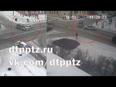 На улице Красноармейская столкнулись два автомобиля