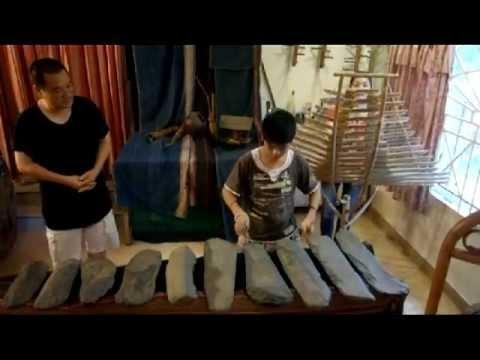Gia đình nghệ sĩ Đức Dậu biểu diễn cho Đức Thầy Từ Minh Đạt 18-11-2012