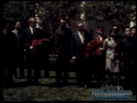 Jet Li (age 11) meets President Nixon in the White House Rose Garden
