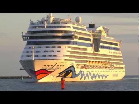 4 fach Schiffsanlauf in Rostock-Warnemünde 10.6.2012 in 3D