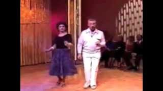 White People Dancing To Daft Punk (Get Lucky)