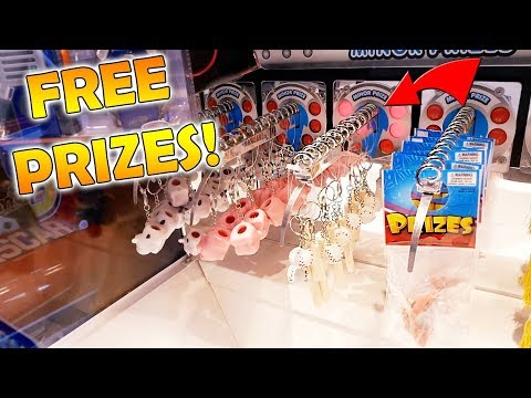 THIS ARCADE GAME GIVES YOU FREE PRIZES!