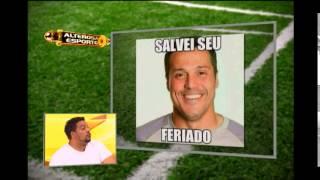 O goleiro Júlio César lavou a alma com as defesas que realizou no jogo entre Brasil e Chile. Thiago Comédia se vestiu de Júlio César para fazer