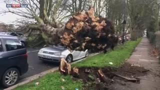إعصار -دوريس- يضرب عددا من المناطق في بريطانيا