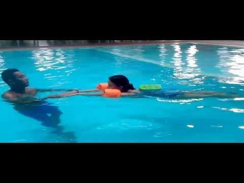 Clip thầy Bằng kèm bơi cho học viên tại Sun Swimming