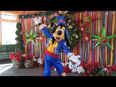 Disney Viva Navidad Goofy Meet and Greet - Goofy Dances with Maracas, Disney California Adventure