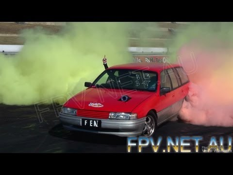 VN V6 COMMODORE WAGON COLOURED SMOKE SKIDS AT BURNOUT MANIA SYDNEY DRAGWAY 1.10.2012