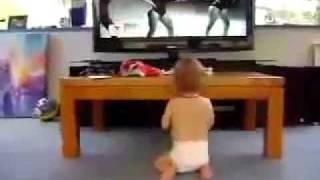 Bebé bailando como Beyonce