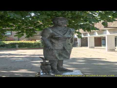 Dorothy L Sayers Statue Witham Essex