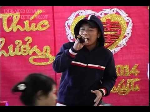 Anh chàng hát đám cưới Con Bướm Xuân hay như Hồ Quang Hiếu